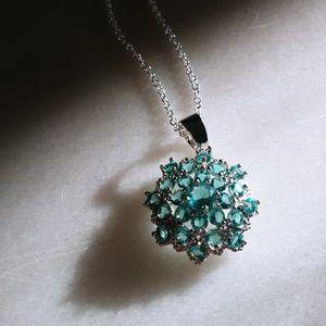 Beautiful Swiss blue topaz necklace